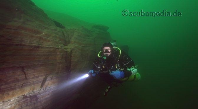 scubamedia Steilwand im Baggersee